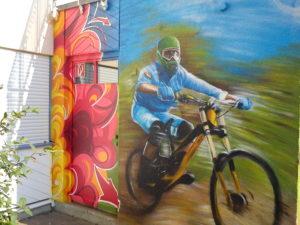 Graffitiauftrag Downhill Biker JuZ Arena Regensburg