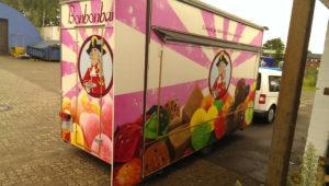 Graffitiauftrag Anhänger Fahrzeug Bonbonbaron hinten rechts