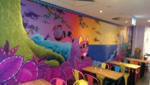 Graffitiauftrag Innenraum Restaurant links
