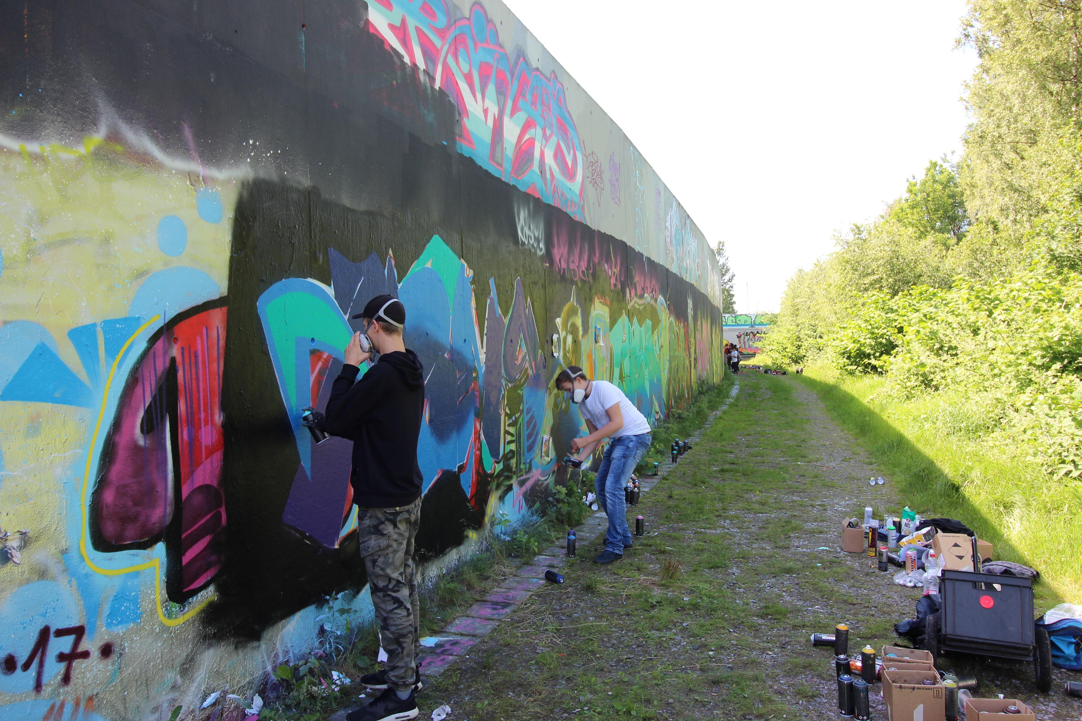 Graffitiworkshop Fortgeschrittene Hall sprühen